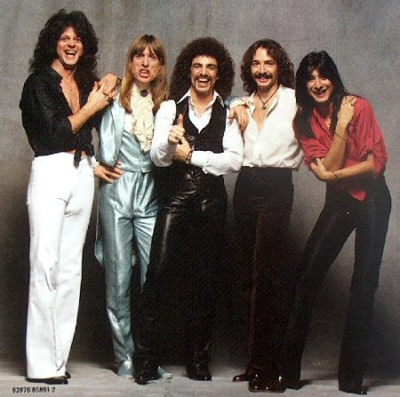 Steve Perry is Not Gay, Part Eleventy-Squillion